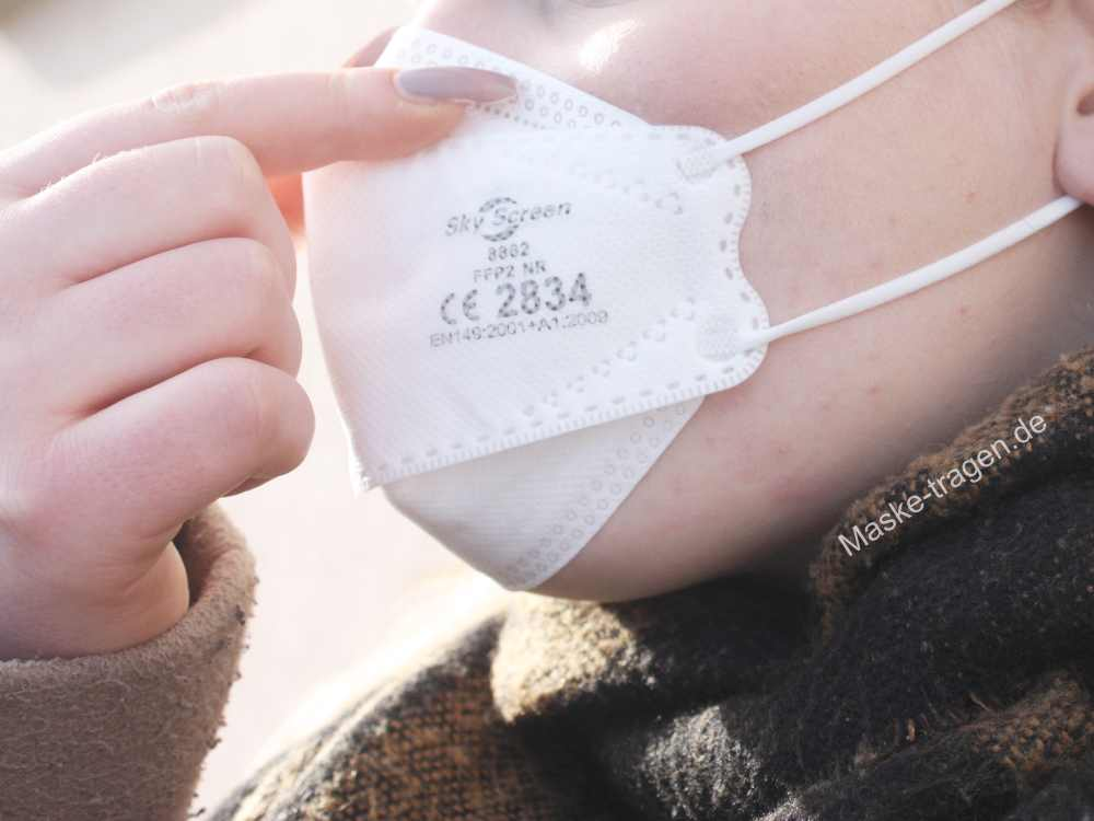 FFP2 Masken Passform stimmt, wenn die Maske überall dicht an der Haut sitzt